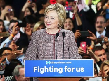 hillary-clinton-wears-expensive-jacket-blasts-income-inequality-pp