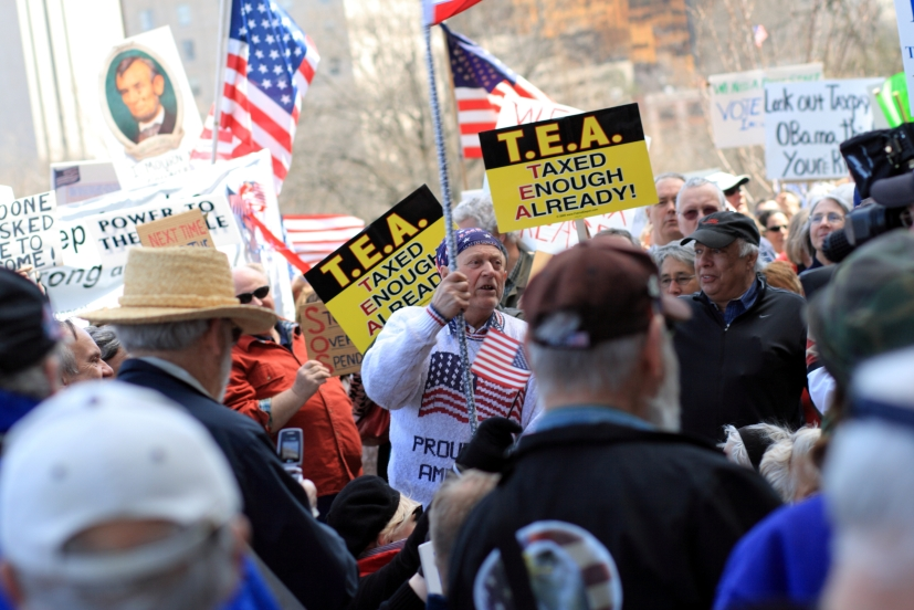 Tea_Party_Protest,_Hartford,_Connecticut,_15_April_2009_-_028.jpg